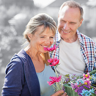 Couple_Smelling_Flowers__HomeFlex_NE1_3222-00-EE-NE