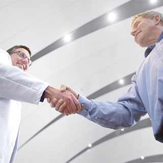 Doctor-Shaking_hands_With_Patient__HomeFlex_NE1_3222-00-EE-NE
